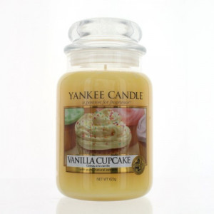 VANILLA CUPCAKE by YANKEE CANDLE